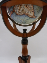 Globus mit Bodenständer